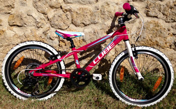 "cycle, cycles et nature : magasin de vente et de reparation de velo a bordeaux, VTT CUBE Pink n white n blue 20"" 2015"